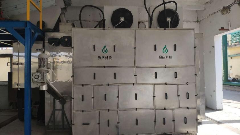 污泥热泵机组低温干化与板框/叠螺的对比